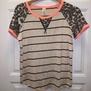 Cheetah and stripes tee shirt XL